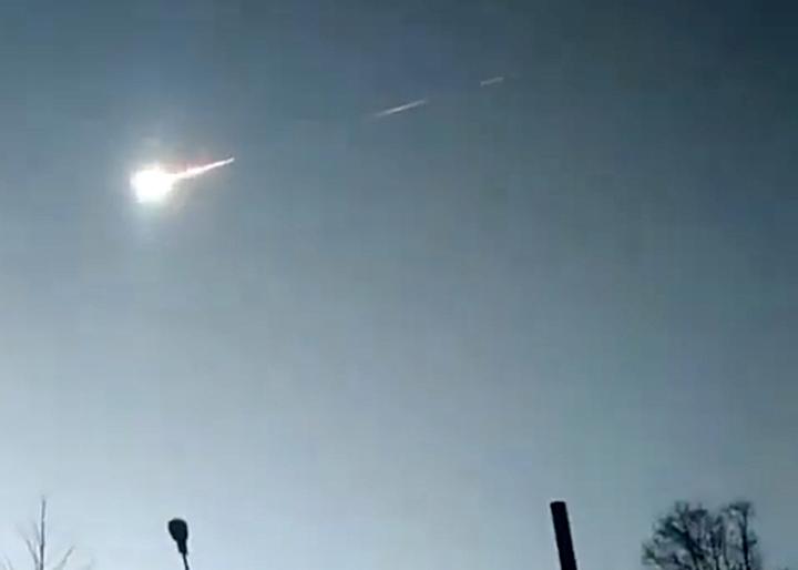 Grandes explosões de meteoros ocorrem perto do local do evento de Tunguska
