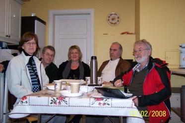 Styret i historielaget 2007: fra venstre: Ruth Brenna, Lars A. Ilebekk, Arnhild Bårdsen, Kjell Koland, Per Slettedal. Varamedlemmene Helge Skuland og Ole Trygve Almedal var ikke til stede.