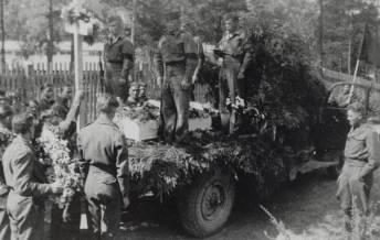 Fra begravelsen av den russiske krigsfangen som druknet i Støssvann.