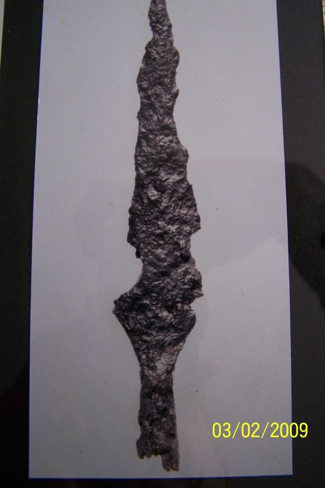 Spydspiss av jern. Funnet på Vestre Reiersdal. Trolig fra vikingtid (800 - 1000)