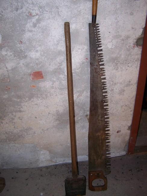 Gave fra Odd Ilebekk: tømmersvans og barkespade