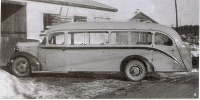 En av de første bussene produsert ved Førelands karosserifabrikk