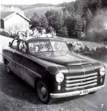 Bilen er bygd på Adler karosseri ved Førelands karosserifabrikk.