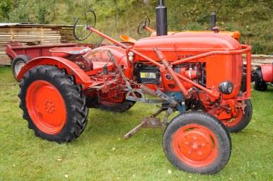 Nok en traktor: en totakts diesel Hanomag.