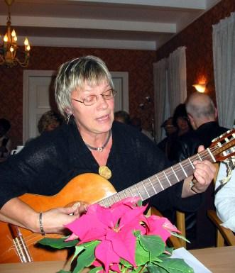 Gerd Torhild Fuskeland ledet allsangen