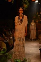Sabyasachi-at-PCJ-Delhi-Couture-Week-2013-4