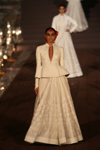 WIFWSS'15D5S5RohitBalRunway014