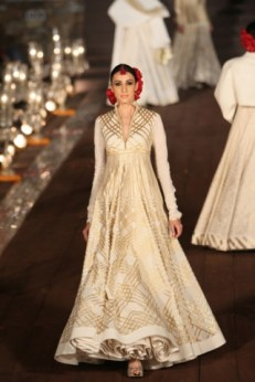 WIFWSS'15D5S5RohitBalRunway072