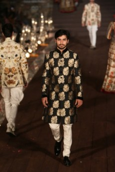 WIFWSS'15D5S5RohitBalRunway147