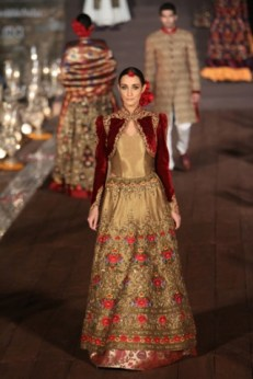 WIFWSS'15D5S5RohitBalRunway302