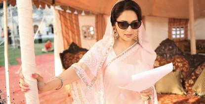 Madhuri in Pink Lucknowi Sari in Dedh Ishqiya 3