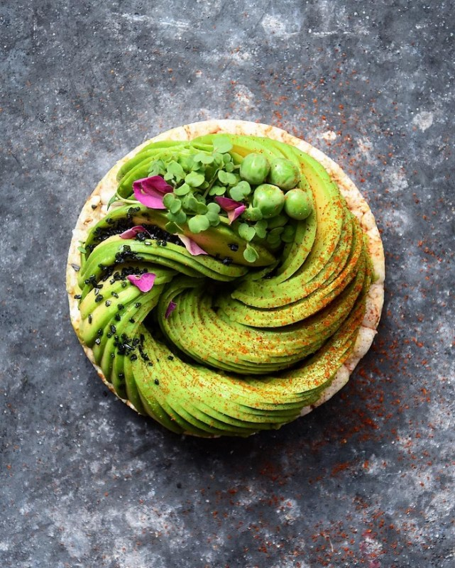 avocado-food-decoration-art-roses-colette-dike-3-57bbfa4e6259d__700