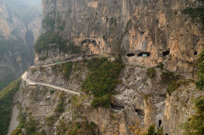 Most-Dangerous-Roads-Guoliang-Tunnel-Road-China