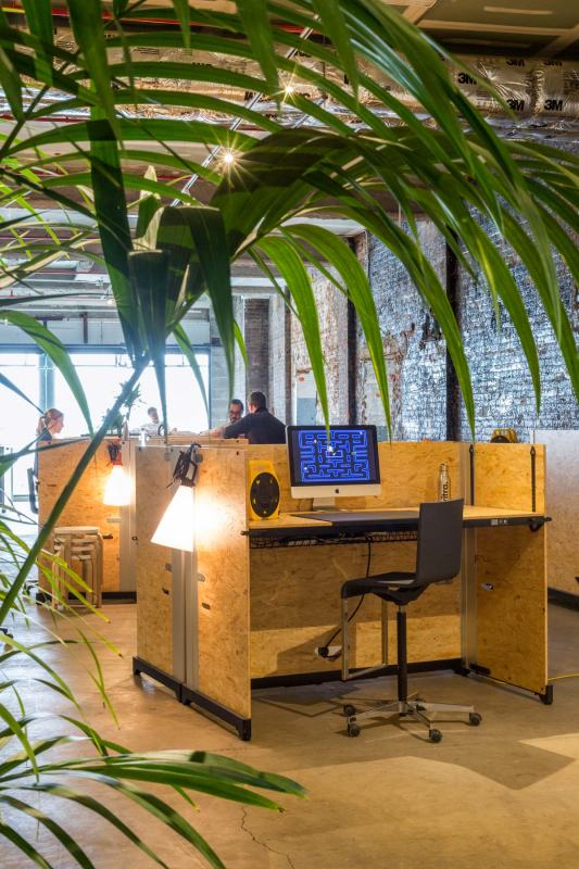 vitra-opens-a-new-pop-up-shop-and-garage-office-new-york-3