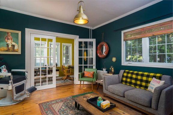 wes-anderson-house-airbnb-13