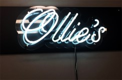 ollies-barber-neon-sign