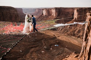 spacenet-canyon-wedding-utah-designboom-02