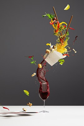 michael-crichton-photoghraphy-captures-flying-food-3