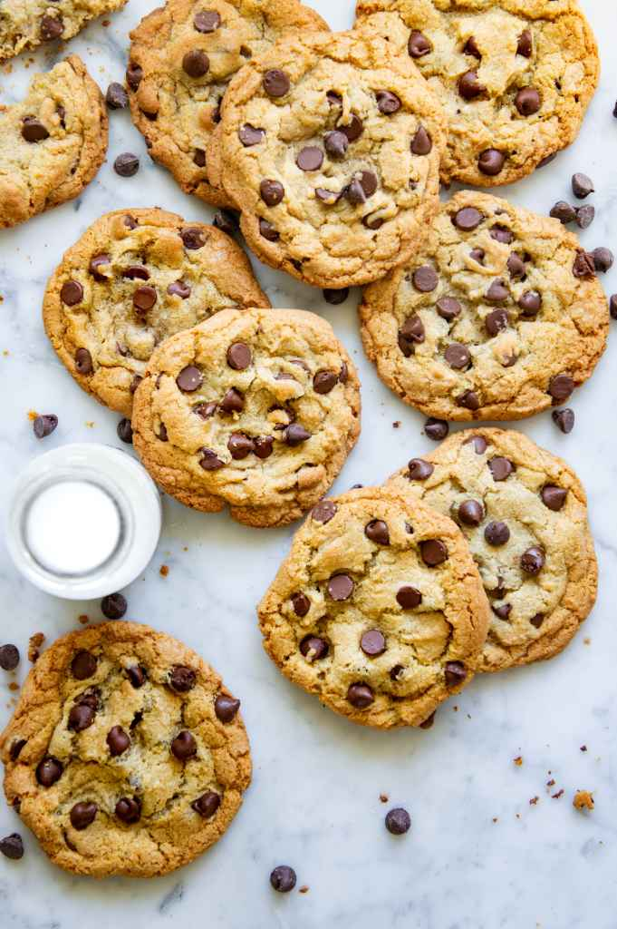 Easy Chocolate Chip Cookie Recipe Pin for Pinterest