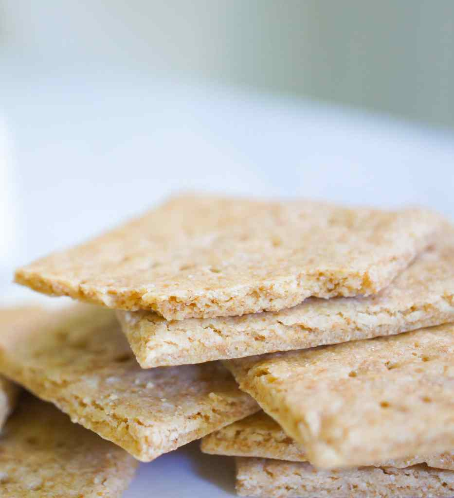 How to make homemade graham crackers