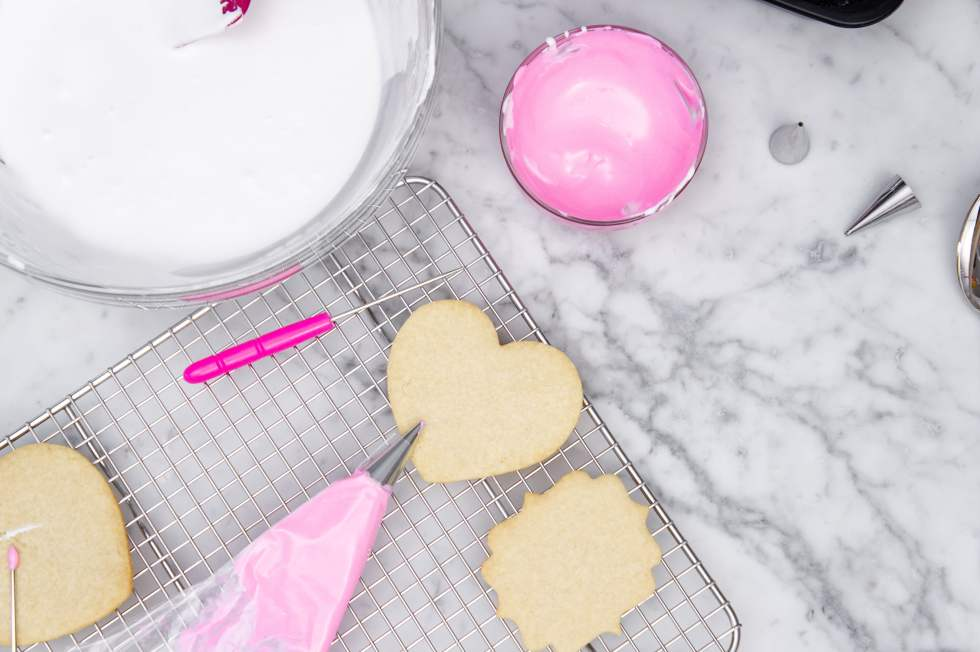Decorating gluten-free cookies with royal icing