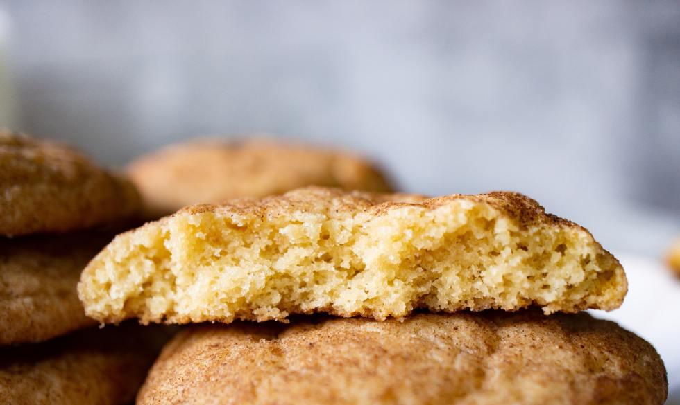 Snickerdoodle cookie bite shot