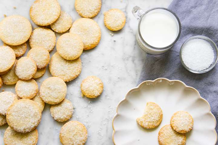 French Butter cookies with milk