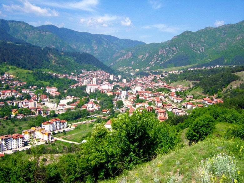Places to visit in Bulgaria: Spa resort Devin