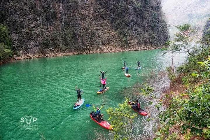 Ha Giang Loop kayaking Nho Que river