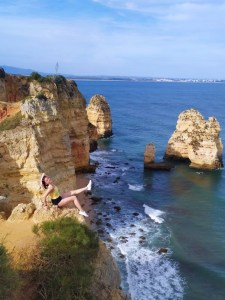 Sitting on the edge of rocks is one of my favorite thimgs to do in Portugal