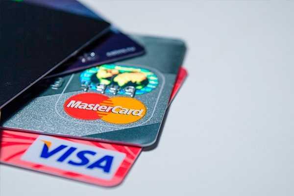 Новые правила для держателей пластиковых карт касается ИП и самозанятых
