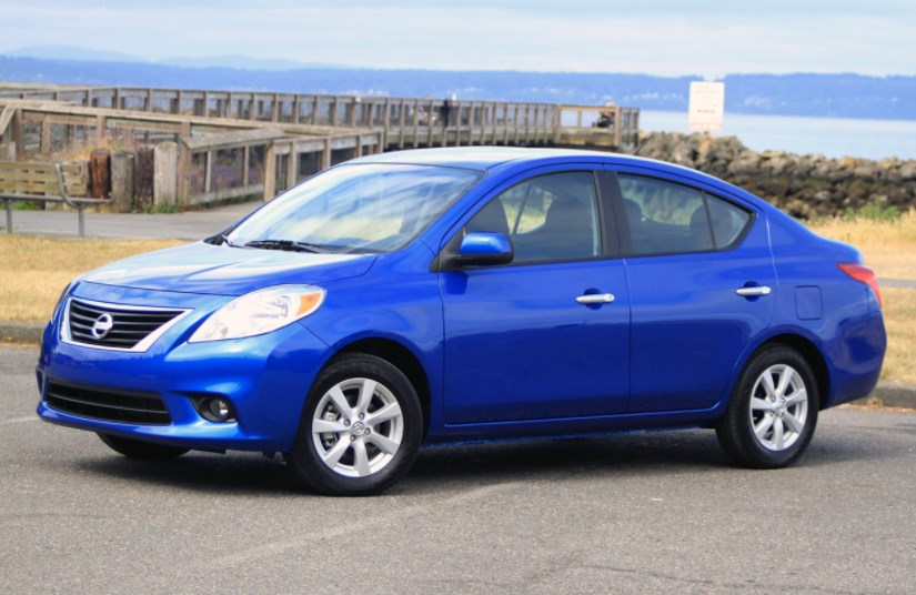 2012 Nissan Versa Concept HD Wallpaper