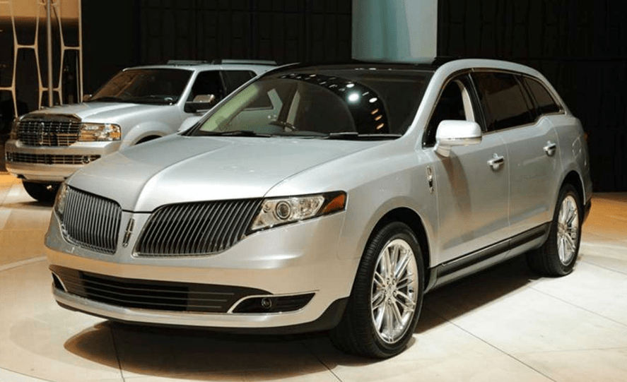 2017 Lincoln MKT Concept and Owners Manual