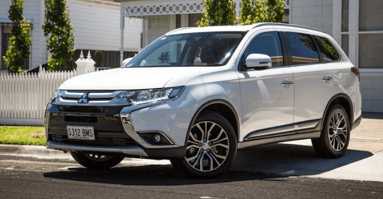 2017 Mitsubishi Outlander Concept and Owners Manual