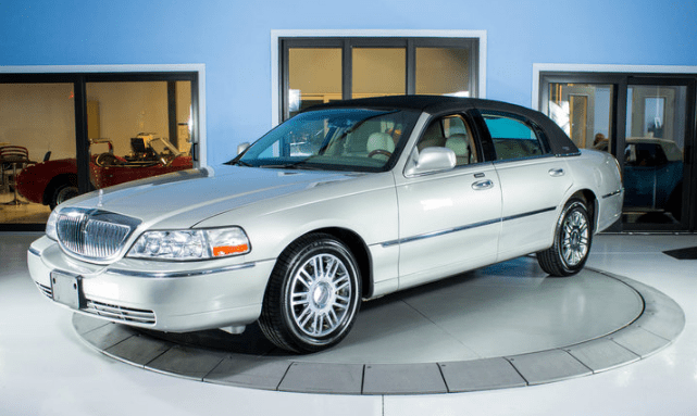 2008 Lincoln Town Car Concept and Owners Manual