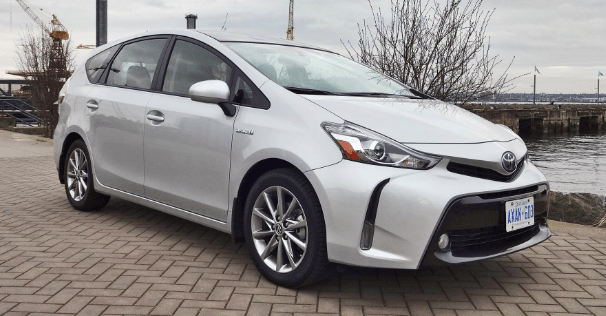 2015 Toyota Prius v Owners Manual and Concept