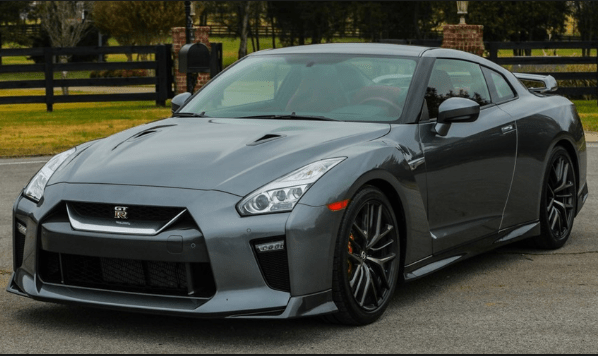 2018 Nissan GT-R Owners Manual