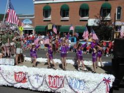 pagosa springs parade kids dancing