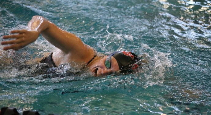 Swim & dive win boosts morale before conference
