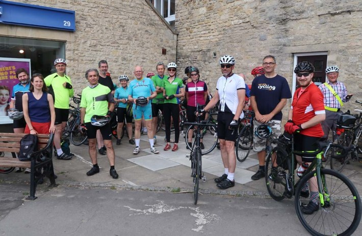 13 continue to lunch in Burford
