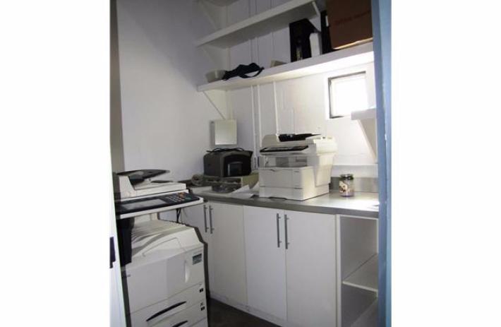 125grand-kitchenette