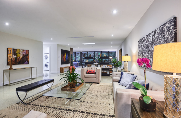 4045 bonita interior living 01