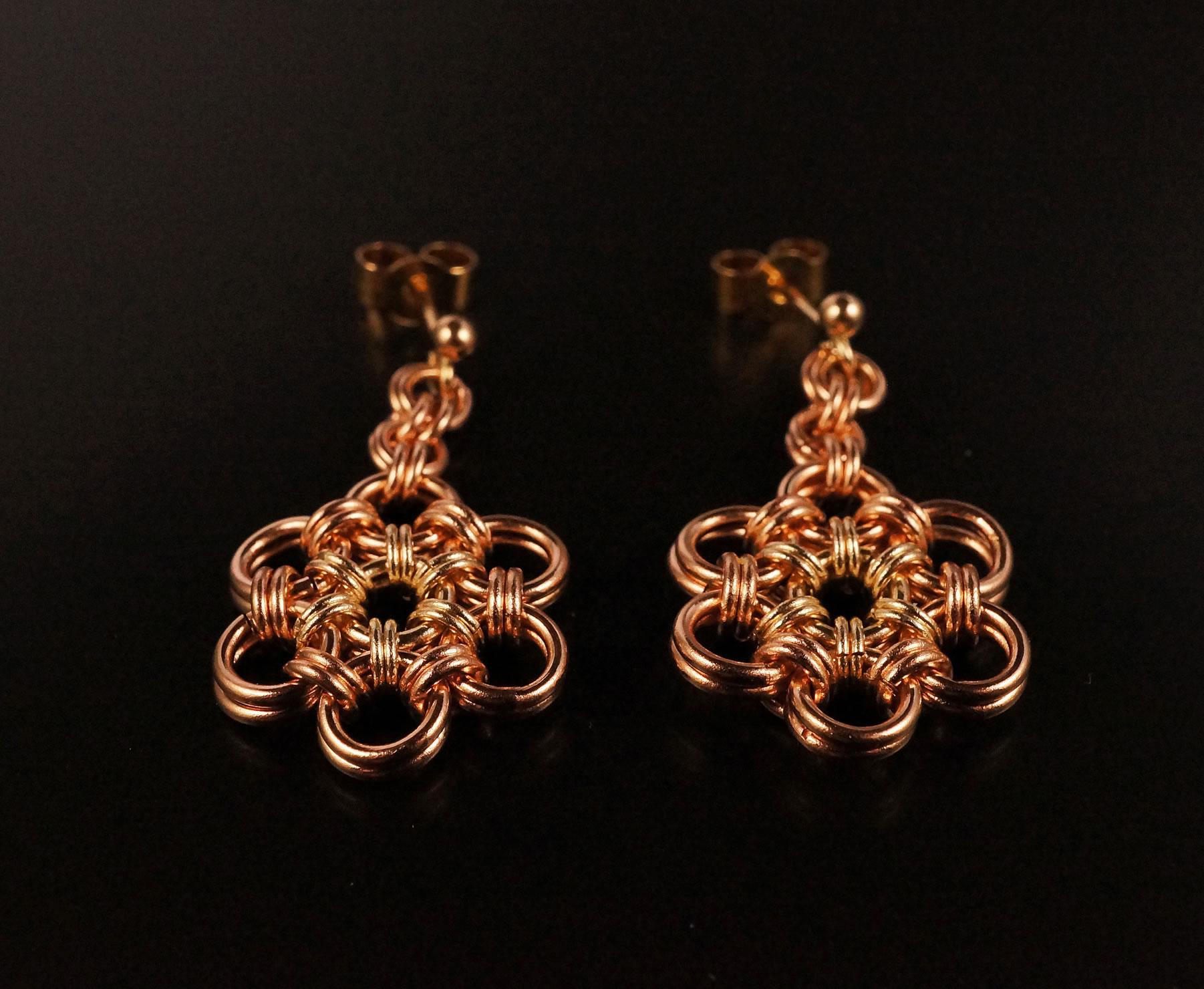 Gold flower earrings 1