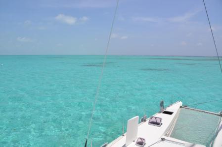 Eau turquoise de l'atoll Lighthouse du Belize