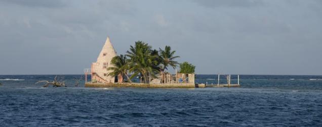 28 Franck's Cay et sa maison en cône