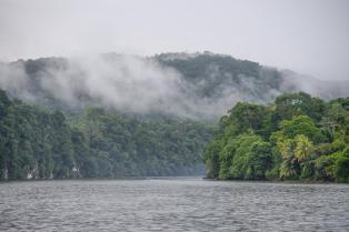 Descente de la riviére Rio Dulce au Guatemala