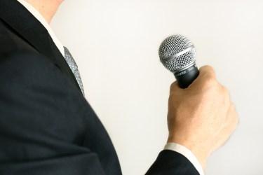 男性が高い声で歌うための出し方のコツやボイストレーニング方法