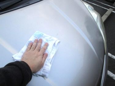 手洗い洗車のコツとは?簡単にキレイに仕上げるやり方をご紹介