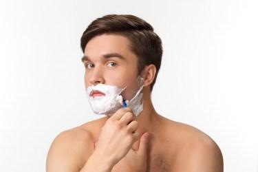 髭の剃り残しをなくす剃り方!T字カミソリで剃る方法とポイント