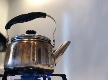 ヤカンの掃除には重曹と水で沸騰させて落とす方法がおすすめ
